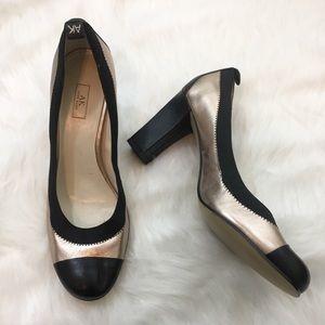 Anne Klein Size 9 Round Toe Heels